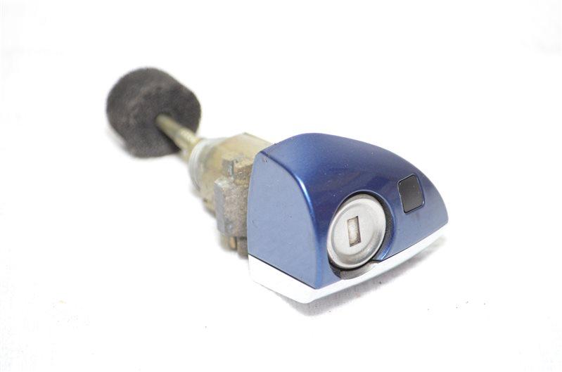 Колпачок замка двери Mercedes C180 W203 1.8 KOMPRESSOR M271.946 2004 передний правый (б/у)