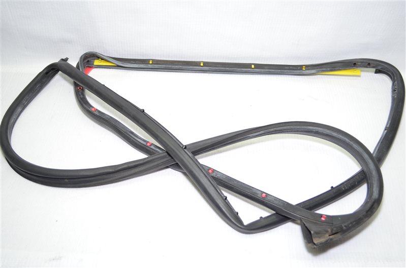 Уплотнитель двери Mercedes C180 W203 1.8 KOMPRESSOR M271.946 2004 (б/у)
