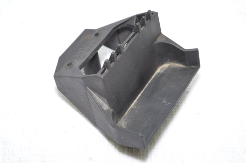 Кронштейн крепления радиатора Bmw 523 E39 2.5 M52B25 1999 (б/у)
