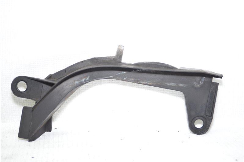 Кронштейн крепления жабо Bmw X5 E53 3.0 M54B30 2003 правый (б/у)