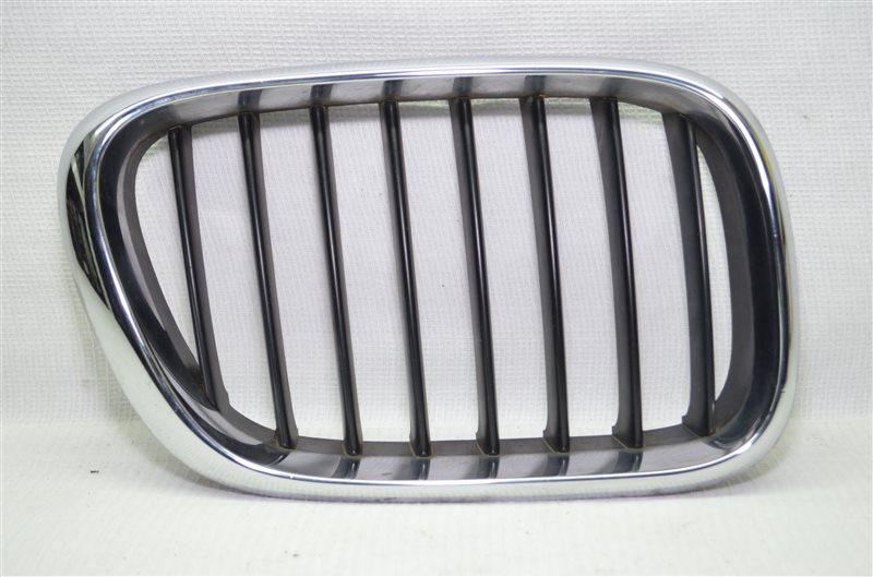 Решетка радиатора ноздри Bmw X5 E53 3.0 M54B30 2003 правая (б/у)