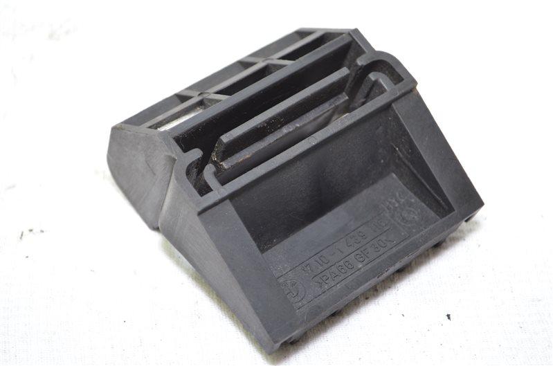 Кронштейн радиатора Bmw X5 E53 3.0 M54B30 2003 (б/у)