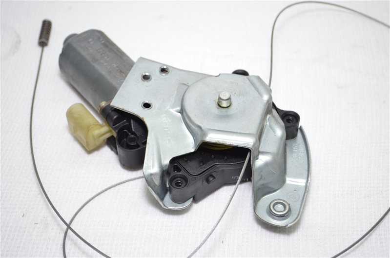 Моторчик стеклоподъемника Bmw X5 E53 3.0 M54B30 2003 задний правый (б/у)