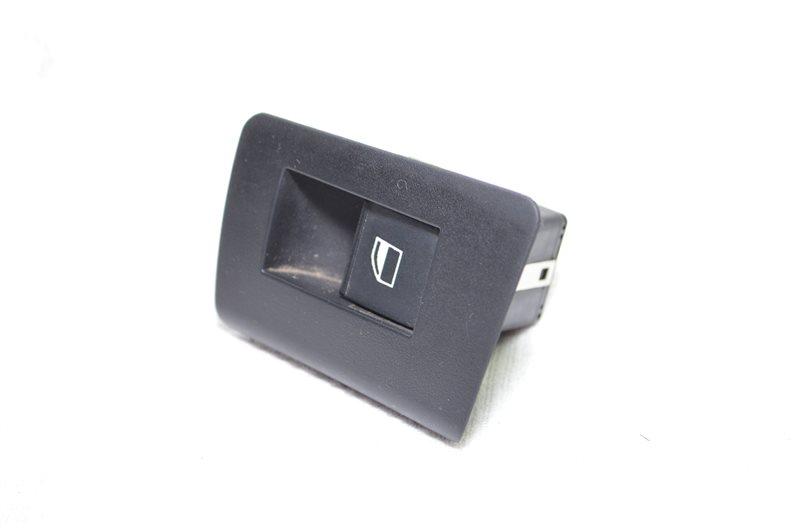 Кнопка стеклоподъемника Bmw X5 E53 3.0 M54B30 2003 задняя правая (б/у)
