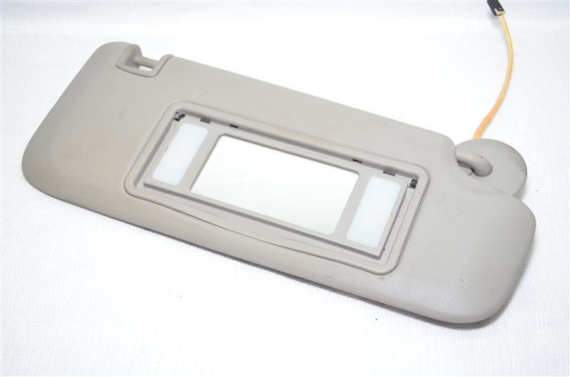 Козырек солнцезащитный Opel Insignia 2.0 A20DTH 2009 правый (б/у)