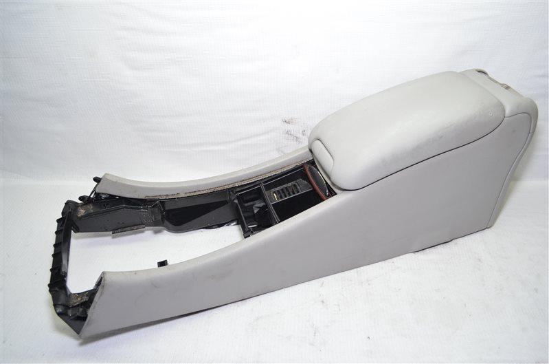 Подлокотник Mercedes C180 W203 1.8 KOMPRESSOR M271.946 2004 (б/у)