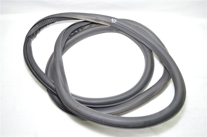 Уплотнитель двери Opel Insignia 2.0 A20DTH 2009 (б/у)