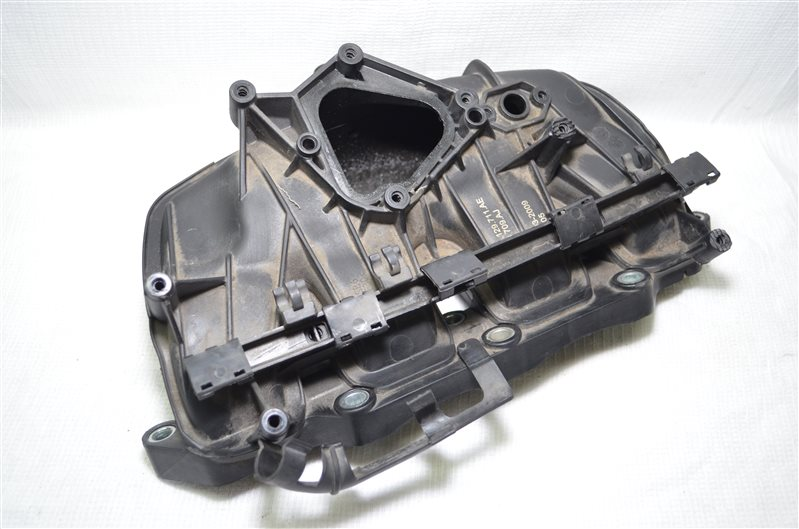 Коллектор впускной Volkswagen Jetta 5 1 (б/у)