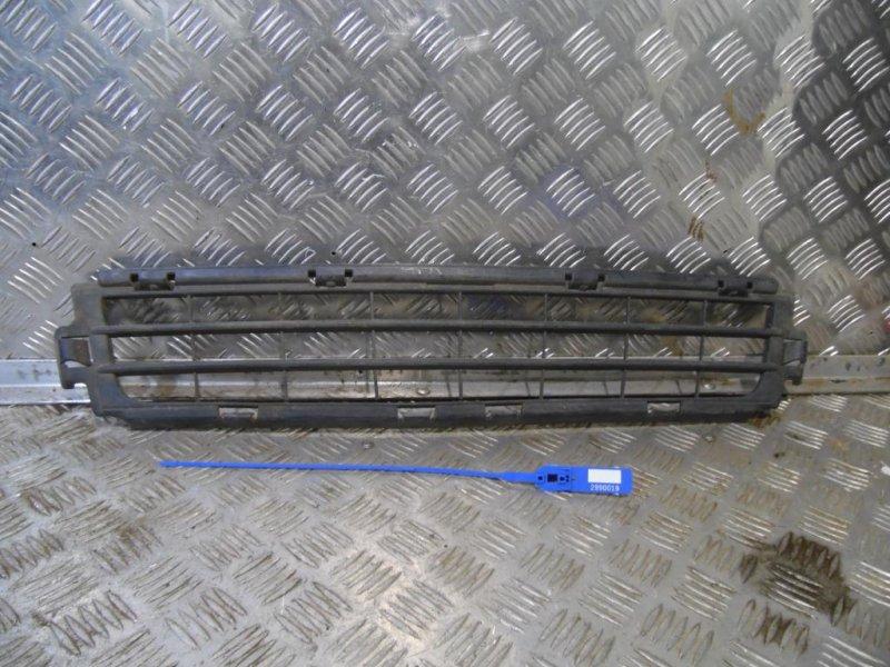 Решетка в бампер центральная Volvo S40 2004-2012
