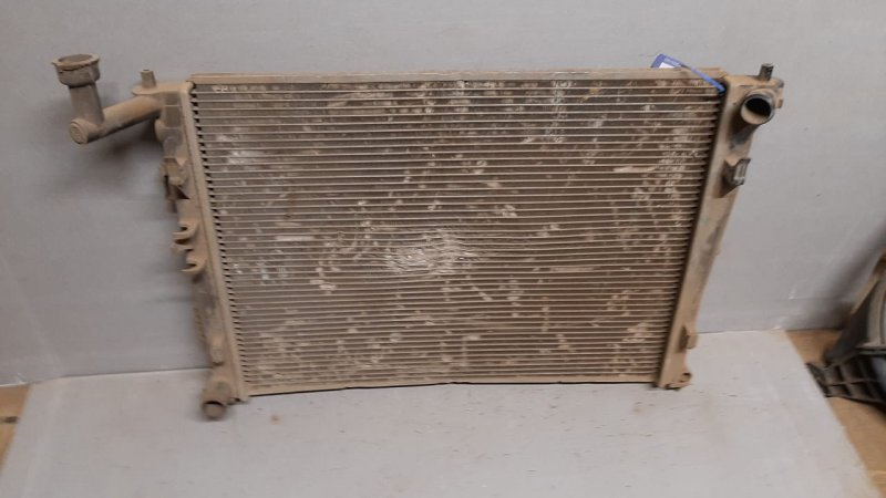 Радиатор двигателя Honda Civic 8 4D 2005 (б/у)