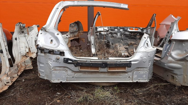 Панель Opel Astra H 2004 задний (б/у)