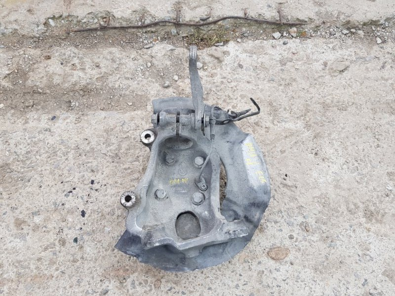 Кулак поворотный Bmw 645I E63 N62B44 2003 передний левый (б/у)