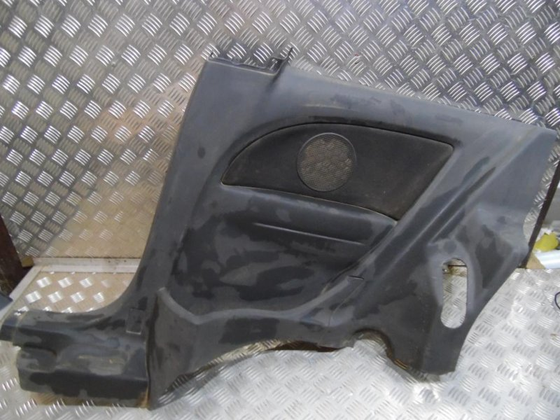 Обшивка салона Opel Corsa D 2006 правая (б/у)