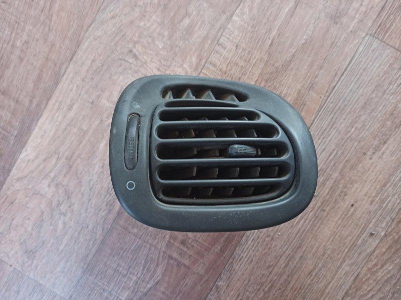 Дефлектор Citroen Xsara Picasso N68 EW10J4 1999 передний правый (б/у)