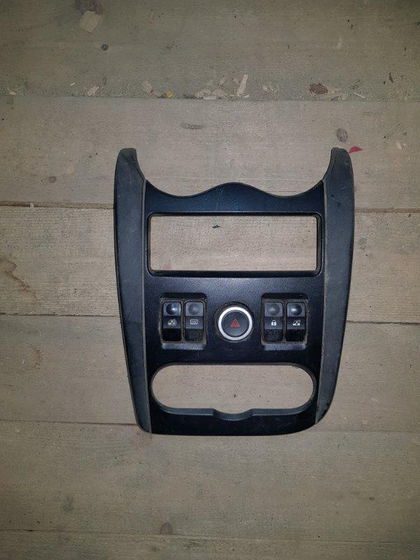 Накладка центральной панели консоли Lada Largus R90 2012 (б/у)