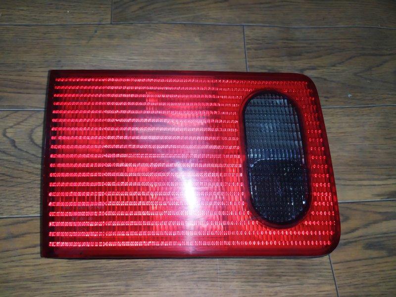 Фонарь внутренний Audi A8 D2 1994 задний левый (б/у)
