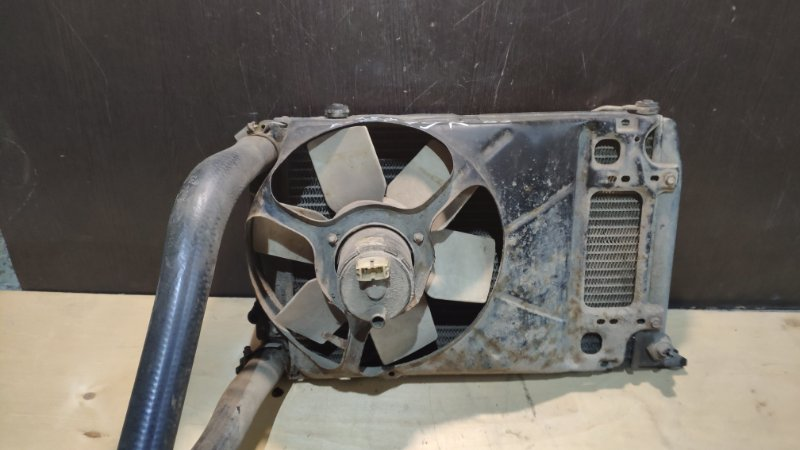 Диффузор вентилятора двс Audi 80 B3 RU 1986 (б/у)