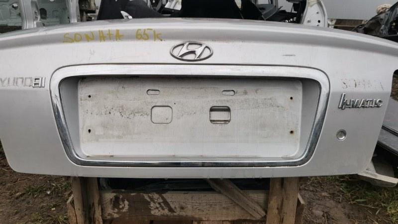 Молдинг крышки багажника Hyundai Sonata EF G4JP 1998 (б/у)