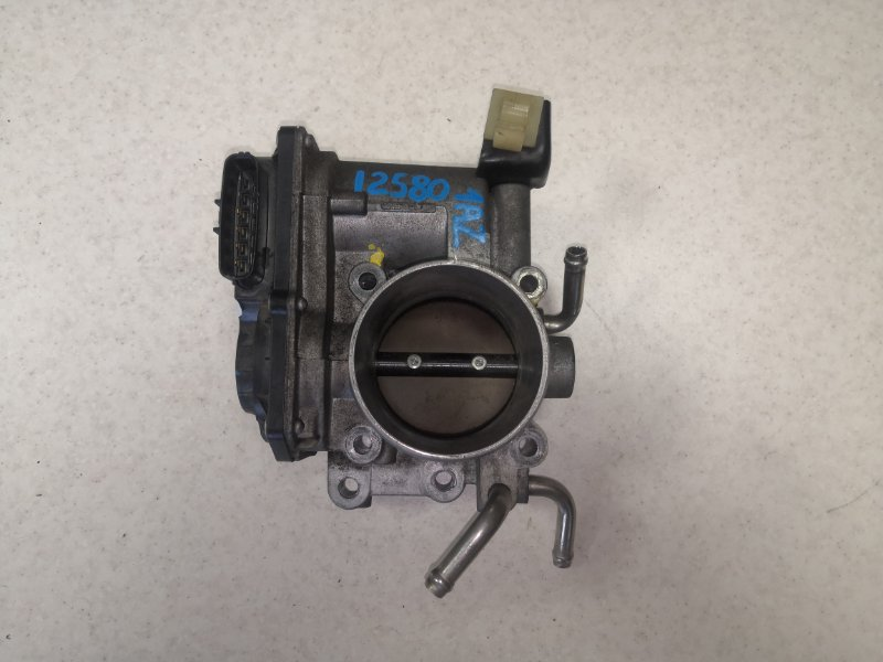 Дроссельная заслонка Toyota Avensis AZT251 1AZFSE (б/у)
