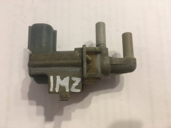 Вакуумник Toyota Alphard MNH10 1MZFE (б/у)