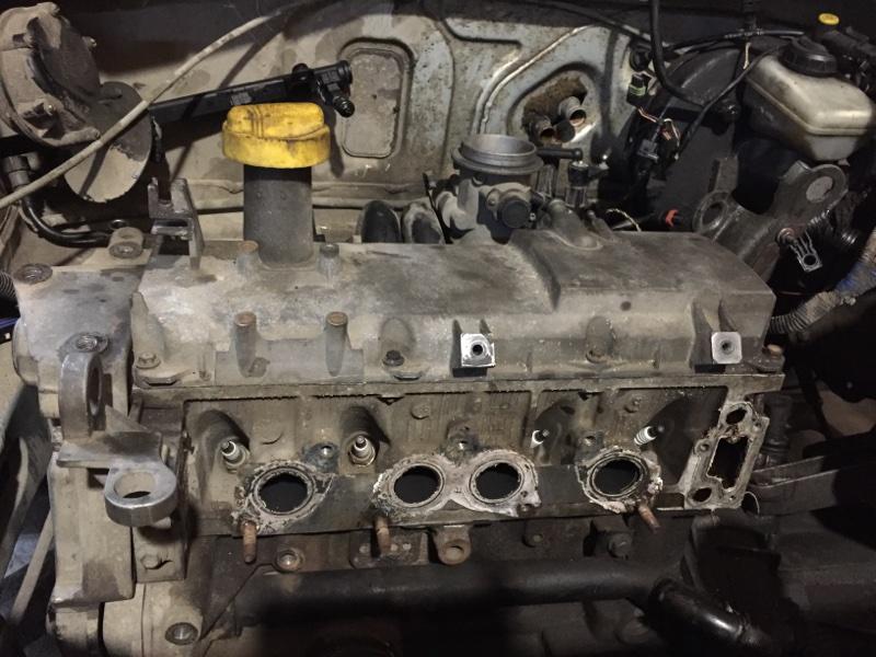 Клапанная крышка Renault Logan K7J (б/у)