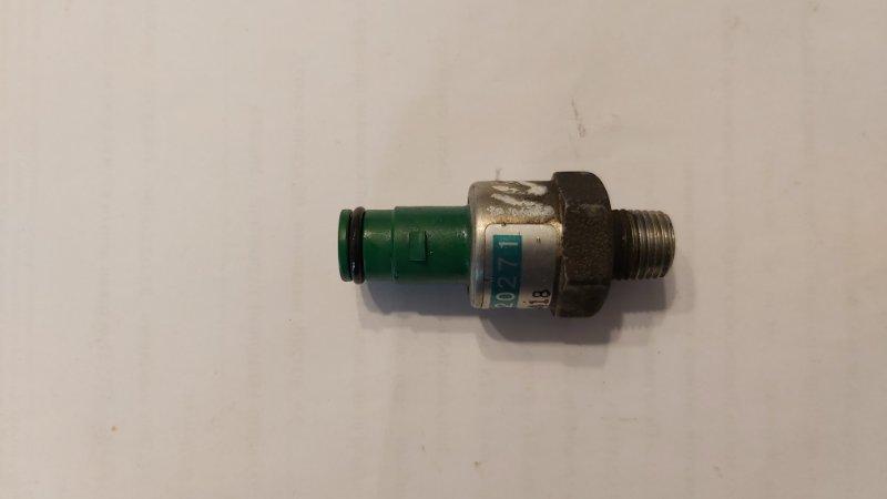 Датчик детонации Nissan Auster F31 VG30 (б/у)