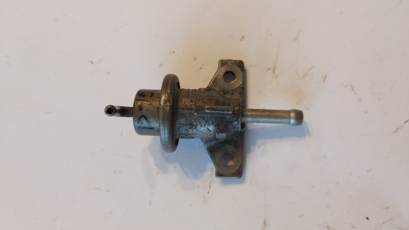 Регулятор давления топлива Honda Civic ES1 D17A2 (б/у)