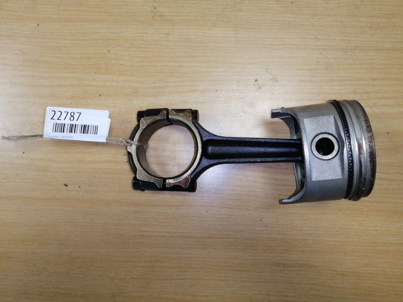 Поршень с шатуном Mazda Bongo SE88T F8 (б/у)