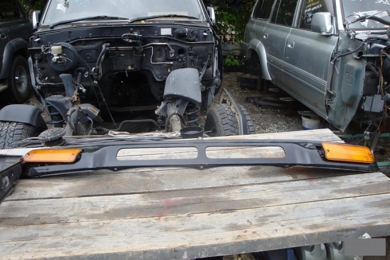 Планка над бампером Toyota Land Cruiser Prado KZJ781 1KZTE передняя (б/у)