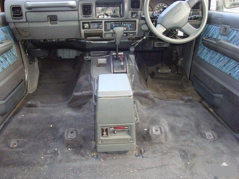 Обшивка пола Toyota Land Cruiser Prado LJ78 2LTE (б/у)