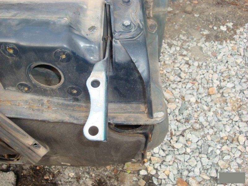 Крепление капота Toyota Land Cruiser Prado KZJ78KZJ71LJ78LJ71 2LTE переднее (б/у)