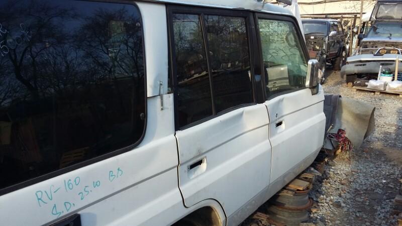 Стекло двери Toyota Land Cruiser 70 PZJ77 HZJ77 LJ78 KZJ78 1HZ 1PZ 1997 заднее правое (б/у)