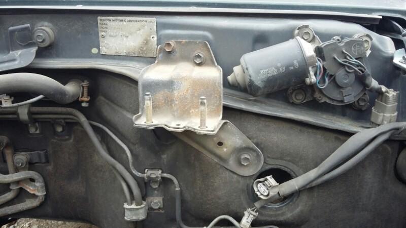 Крепление топливного фильтра Toyota Land Cruiser Prado KZJ78KZJ71LJ78LJ71 1KZTE2LTE (б/у)