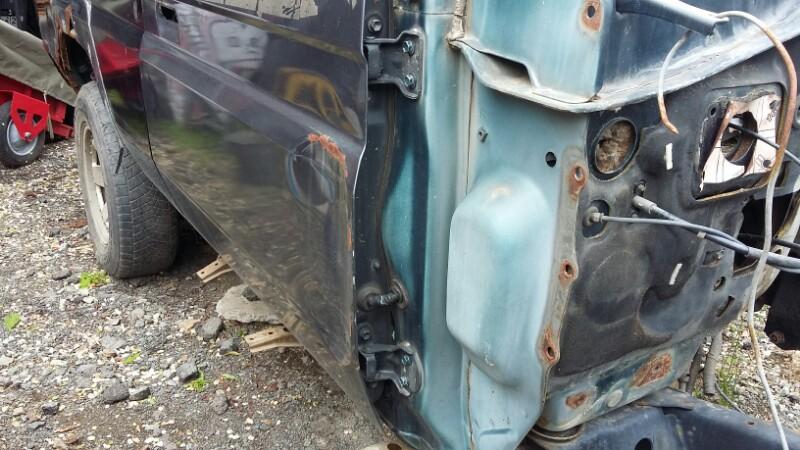 Петля двери Toyota Land Cruiser Prado KZJ78KZJ71LJ78LJ71 1KZTE2LTE (б/у)