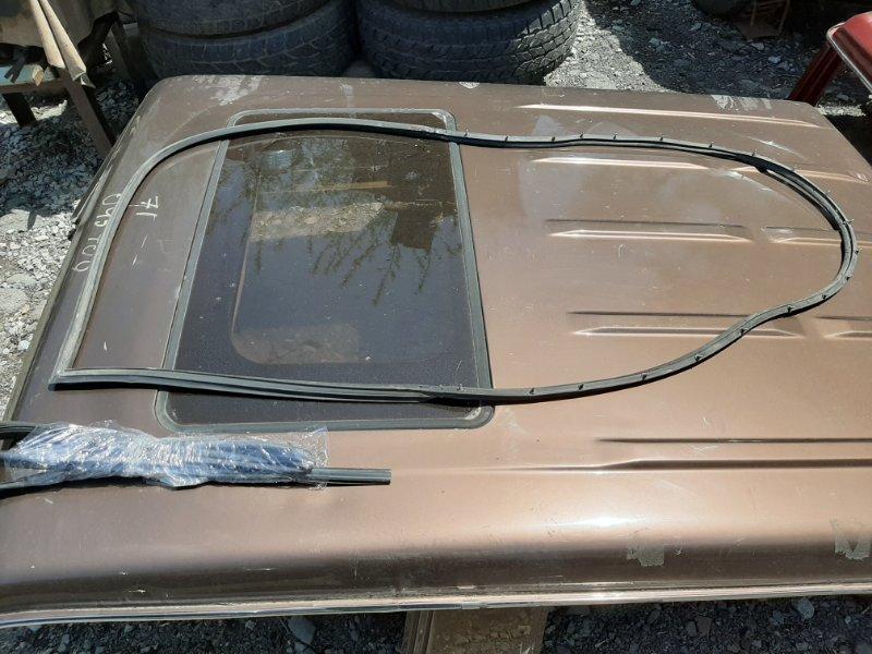 Уплотнительная резинка дверей Toyota Land Cruiser Prado KZJ78 LJ78 1KZTE 2LTE 1993 (б/у)
