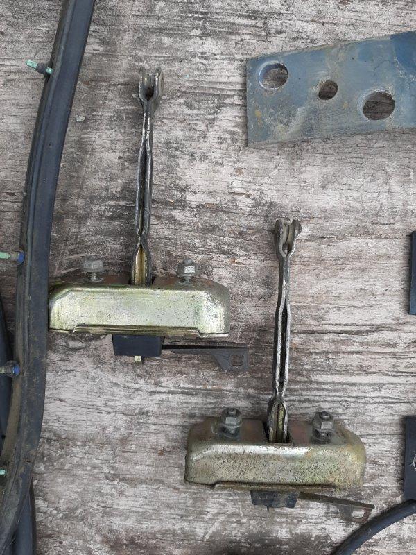 Ограничитель двери Toyota Land Cruiser Prado KZJ78 1KZ-TE 1994 задний правый (б/у)