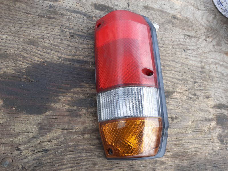 Стоп-сигнал Toyota Land Cruiser Prado KZJ78 LJ78 1KZTE 2LTE задний правый (б/у)