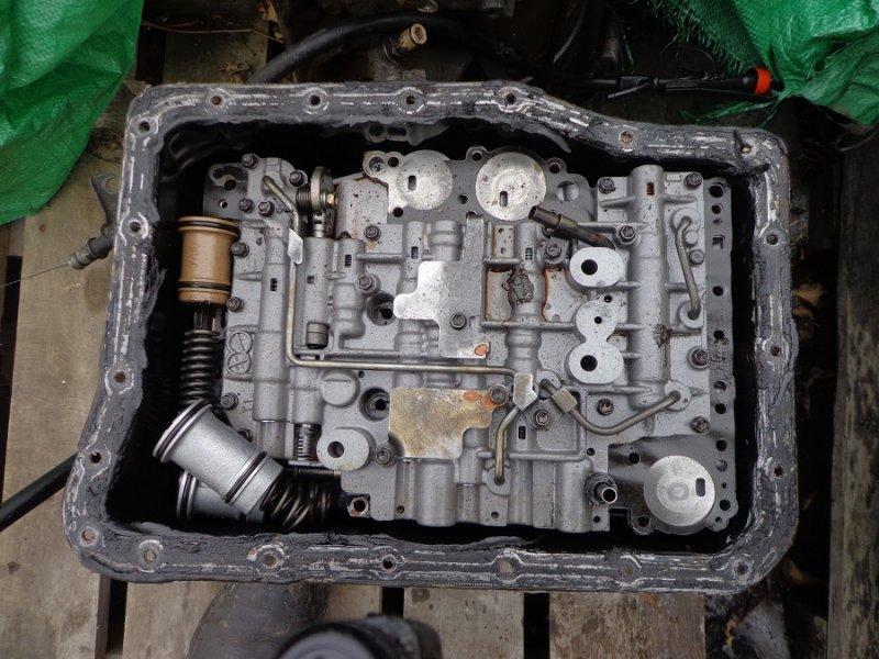 Блок клапанов Toyota Land Cruiser Prado HZJ77HV 1HZ 1991 (б/у)