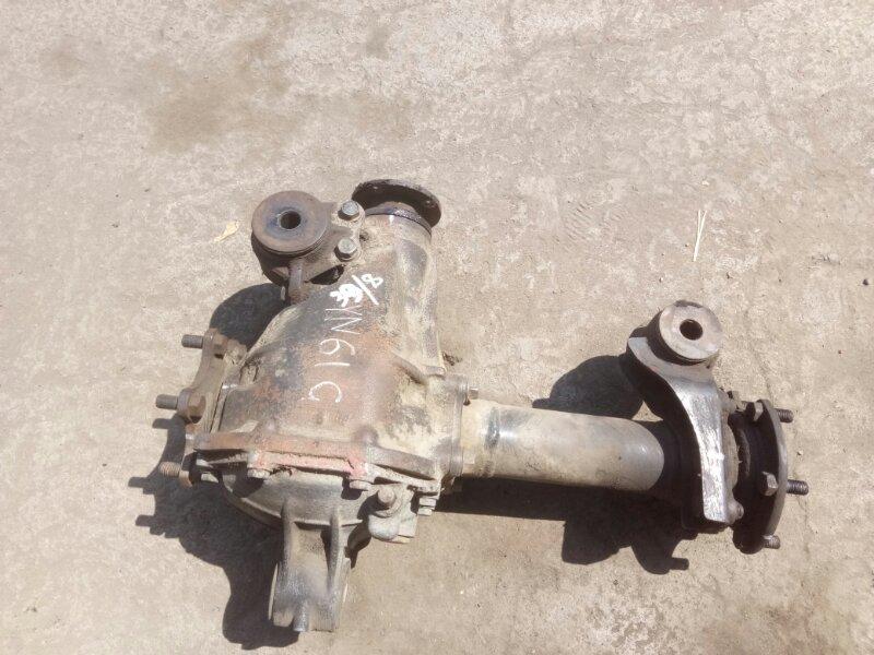 Редуктор Toyota Hilux YN61G 3YEU 1989 передний (б/у)