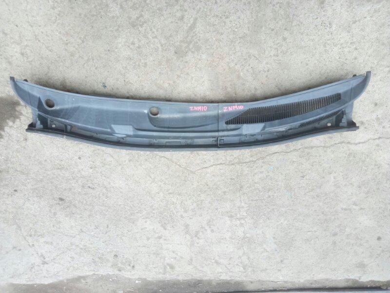 Решетка дворников (жабо) Toyota Isis ZNM10 1ZZFE 2006 (б/у)