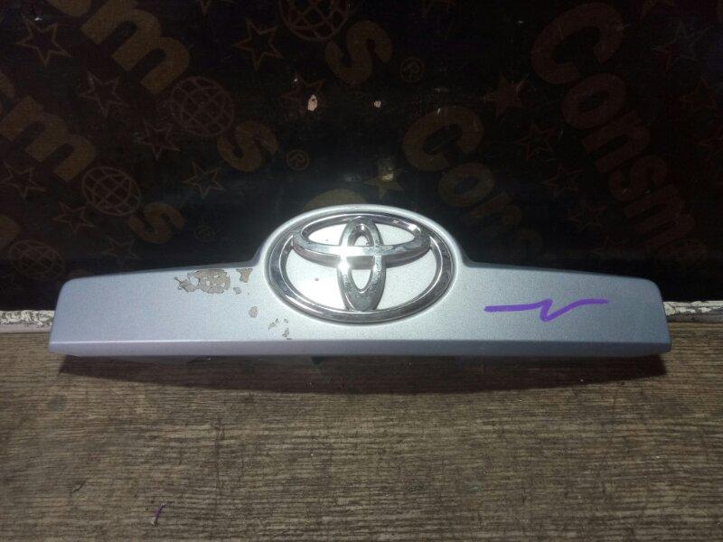 Накладка 5-й двери Toyota Porte NNP1 2NZFE (б/у)