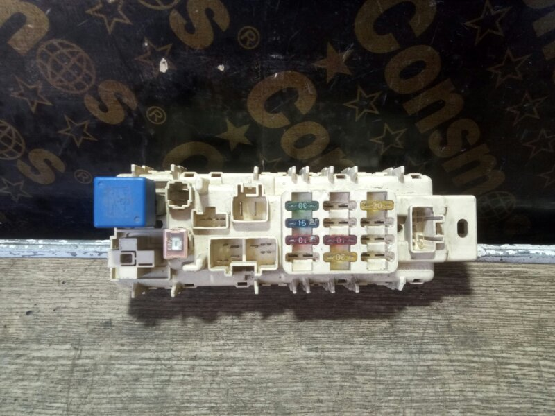 БЛОК ПРЕДОХРАНИТЕЛЕЙ TOYOTA SPRINTER AE100,5A-FE,A/T.53000 Япония