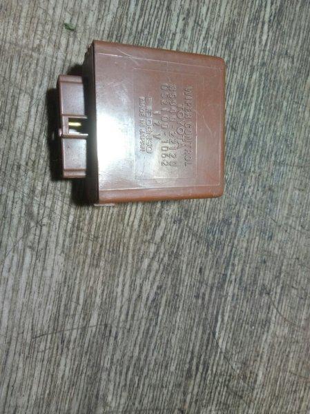 Блок управления стеклоочистителем Toyota Master Ace YR30 3YEU 1990 (б/у)