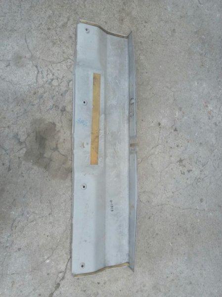Полка багажника Subaru Leone AF3 EA81 (б/у)