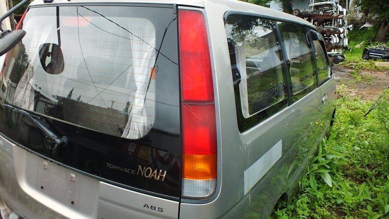 Фонарь задний Toyota Town Ace Noah SR50 3SFE 1997 правый (б/у)