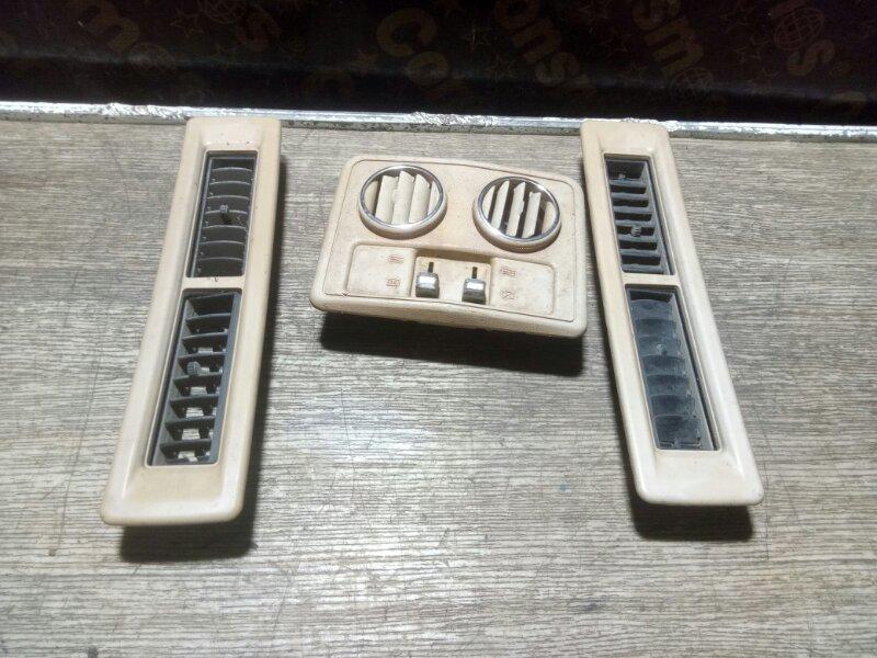 Решетка вентиляционная Toyota Lite Ace KM30 5KU (б/у)