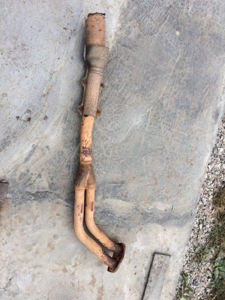 Труба глушителя Toyota Hilux Surf YN61 передняя (б/у)