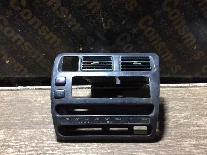 Консоль магнитофона Toyota Corolla EE103 (б/у)