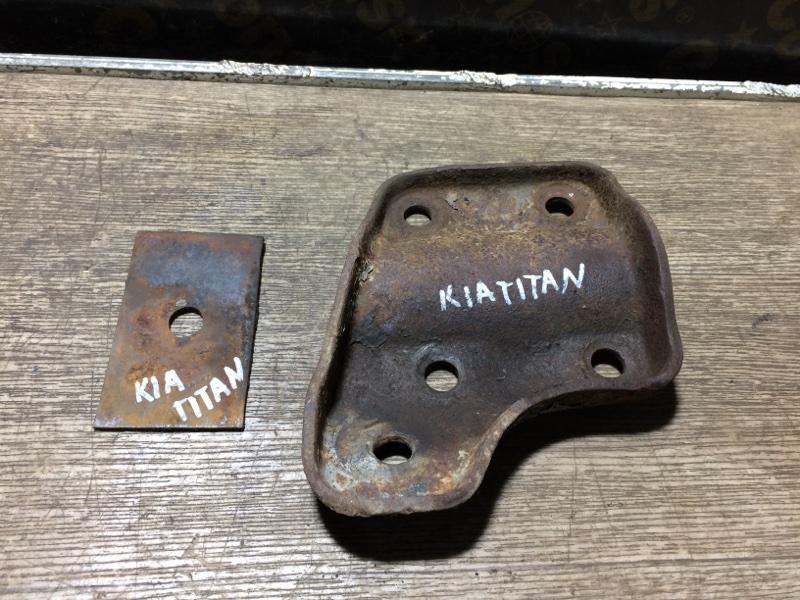 Чашка рессоры Kia Titan KNCWD8112MS312798 (б/у)