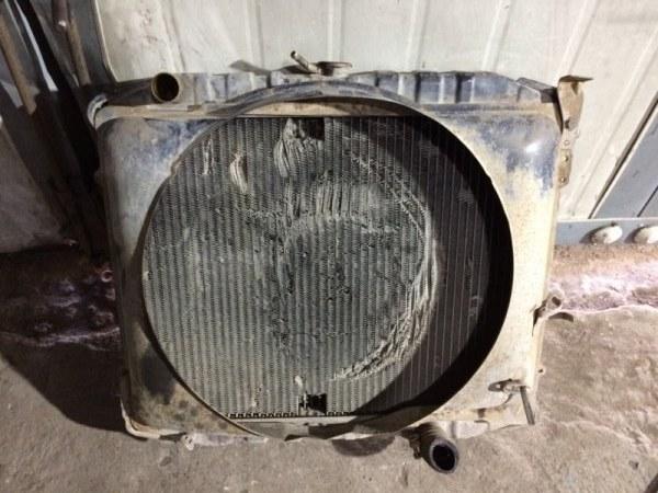Радиатор охлаждения двигателя Isuzu Bighorn UBS52FW C223 (б/у)